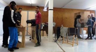 Les jeunes constructeurs autour de leurs réalisations / Photo DDM, C. C.