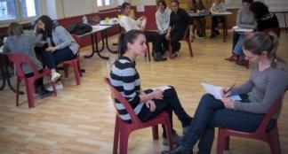 Travaux pratiques pour les jeunes futurs animateurs / Photo DDM
